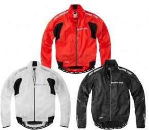 Madison Sportive Stratos Showerproof Jacket - Articulated and pre-curved body and arms give a superb on bike fit
