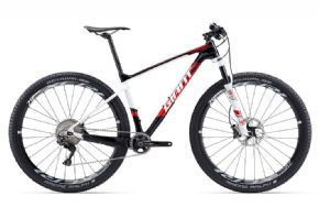 Giant Xtc Advanced 29er 1 Mountain Bike 2017 Medium (ex Display) - Composite frame that's loaded with technologies for various off-road adventures.